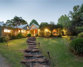 Mt Glorious Getaway Cottages and Conference Centre - QLD Tourism