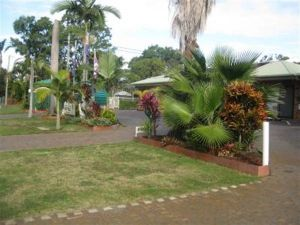 Beachmere Palms Motel - QLD Tourism