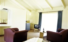 Motel Meneres - QLD Tourism