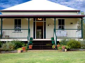 Rovers Rest Guesthouse and Studio Units - QLD Tourism