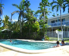Absolute Backpackers Mission Beach - QLD Tourism