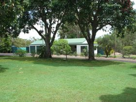 Bungadoo Country Cottage - QLD Tourism