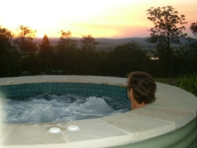 Bed and Breakfast at Wallaby Ridge - QLD Tourism