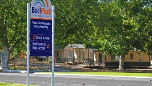 Ball Park Caravan Park - QLD Tourism