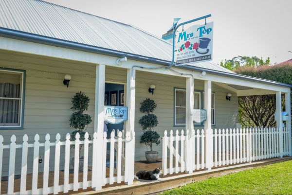 Mrs Top at Milton Bed and Breakfast - QLD Tourism