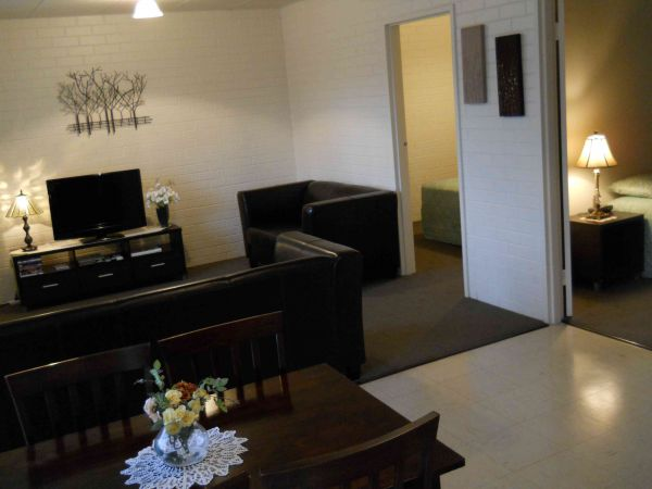 BJs Short Stay Apartments - QLD Tourism