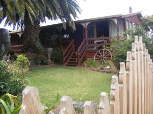 Ironstone Cottage - QLD Tourism