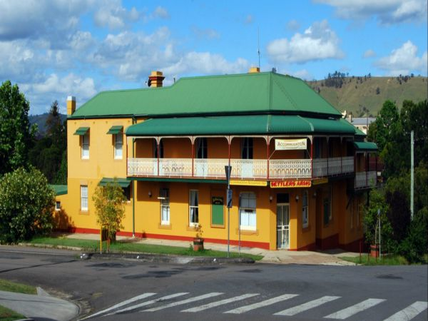 Settlers Arms Hotel - QLD Tourism