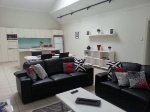 Studio One Accommodation - QLD Tourism