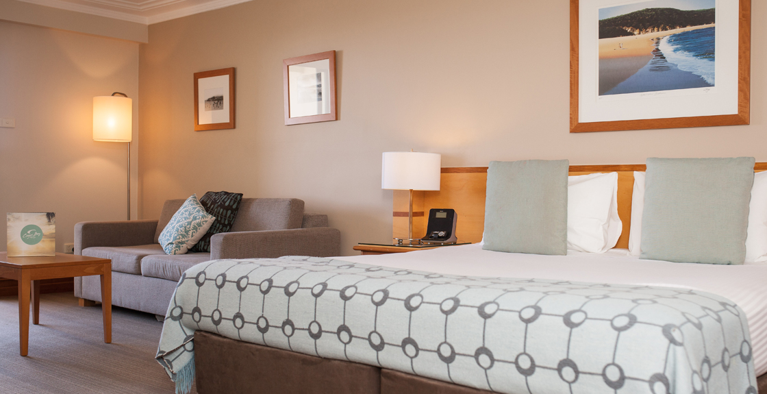 Coogee Bay Hotel - QLD Tourism