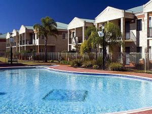Country Comfort inter City Hotel  Apartments - QLD Tourism
