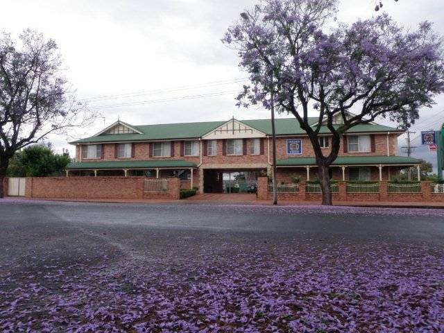 Endeavour Court Motor Inn - QLD Tourism