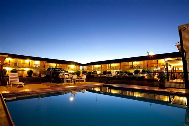 Golden West Motor Inn - QLD Tourism
