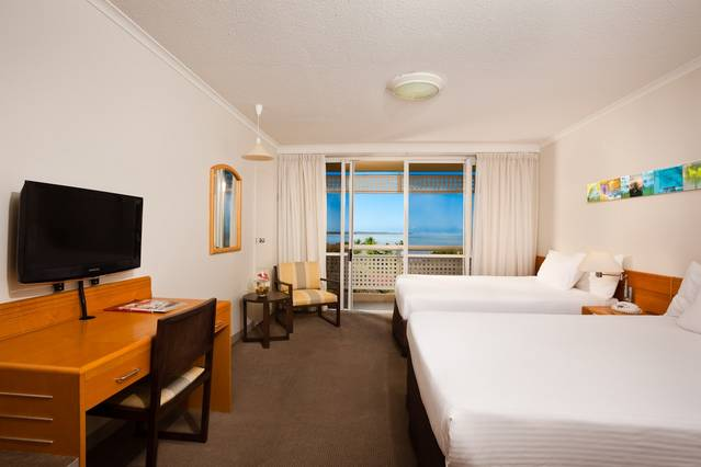 Holiday Inn Cairns Harbourside - QLD Tourism