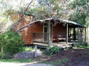 Jervis Bay Cabins  Hidden Creek Campsite - QLD Tourism