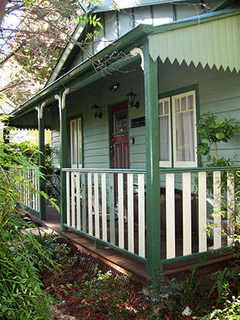 Strawberry Patch Cottage - QLD Tourism