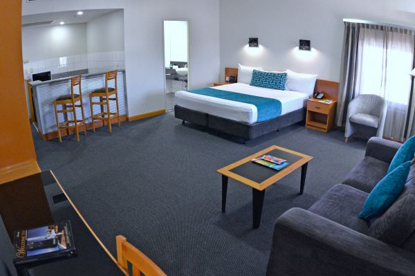 Darwin Central Hotel - QLD Tourism
