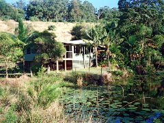 Walkabout Holiday House - QLD Tourism
