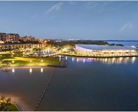 Absolute Waterfront Luxury Apartments - QLD Tourism