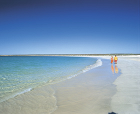 Gnaraloo - QLD Tourism