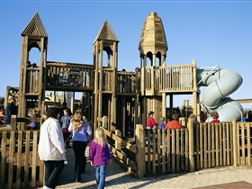 Jubilee Park Adventure Playground - QLD Tourism