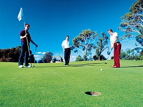 Queenstown Golf Club - QLD Tourism
