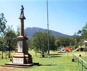 Maroon State School War Memorial - QLD Tourism