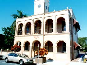 Mackay Town Hall - QLD Tourism