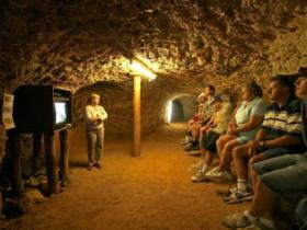 Miners Heritage Walk-In Mine - QLD Tourism