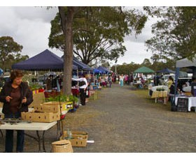 Nikenbah Markets - QLD Tourism