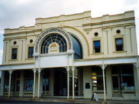 Stock Exchange Arcade and Assay Mining Museum - QLD Tourism