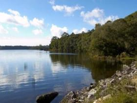 Lake Paluma - QLD Tourism
