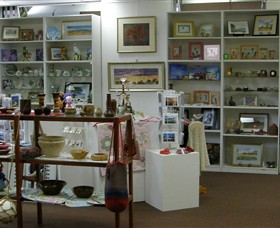 Phillip Island Gallery - QLD Tourism