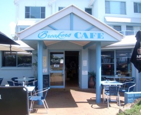 Breakers Cafe and Restaurant - QLD Tourism