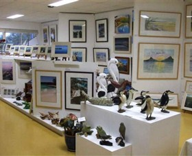 Huskisson Gallery and Picture Framing - QLD Tourism