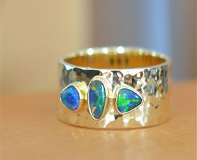 Lost Sea Opals - QLD Tourism