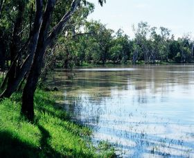 Yarrie Lake - QLD Tourism