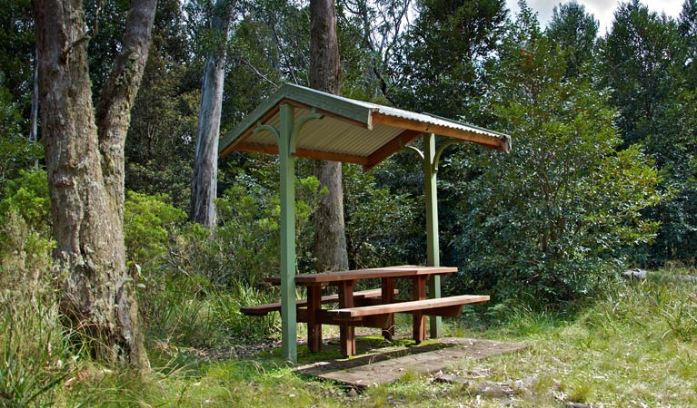 Devils Hole lookout walk and picnic area - QLD Tourism