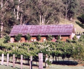 Undercliff Winery and Gallery - QLD Tourism
