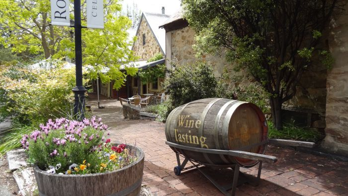 Wine Lovers Tours - QLD Tourism