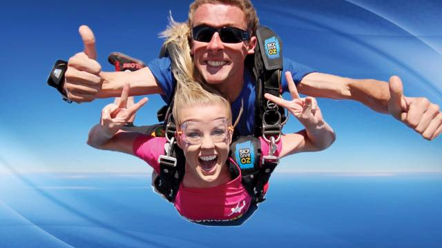 Skydive Oz Canberra - QLD Tourism