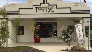 Tootsie Fine Art and Design - QLD Tourism