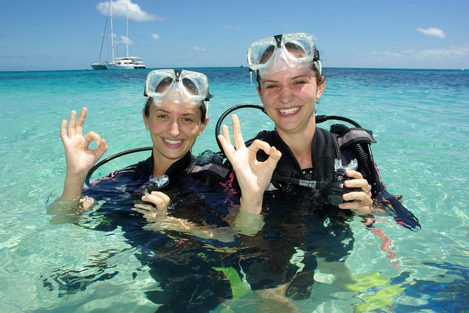 Ocean Spirit Michaelmas Cay Dive and Snorkel Cruise from Palm Cove - QLD Tourism