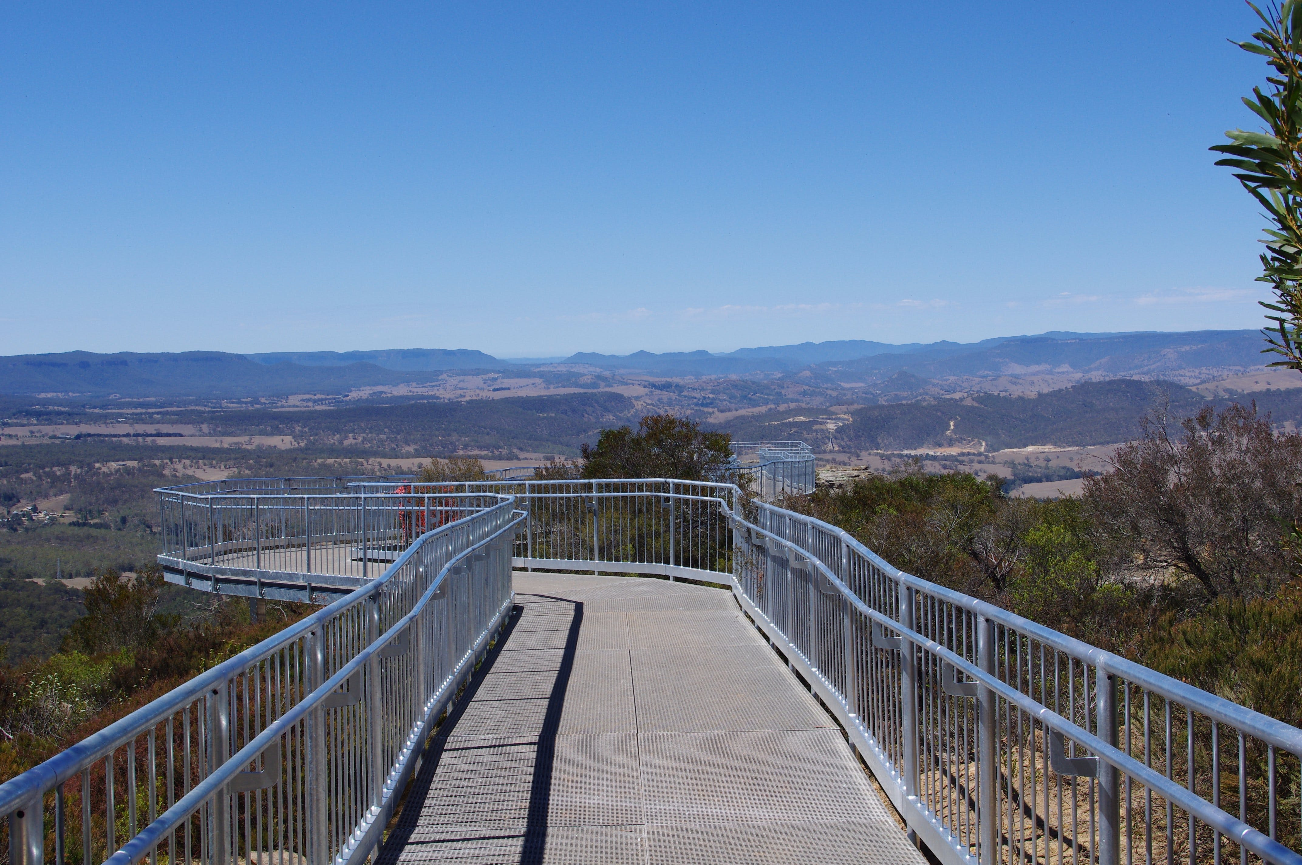 Hassans Walls Lookout - QLD Tourism