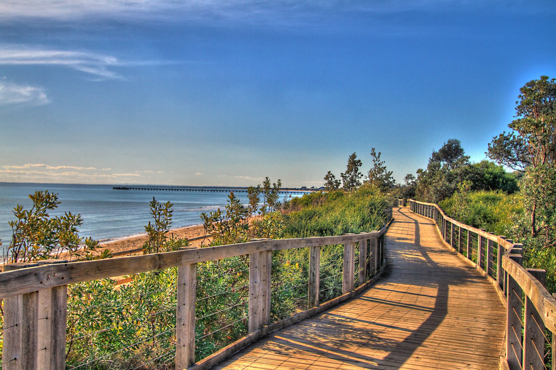 Frankston Foreshore and Pier Walk - QLD Tourism