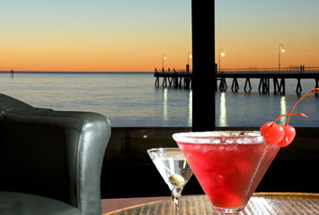 Horizons Cocktail Lounge - QLD Tourism
