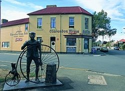 Clarendon Arms Hotel - QLD Tourism