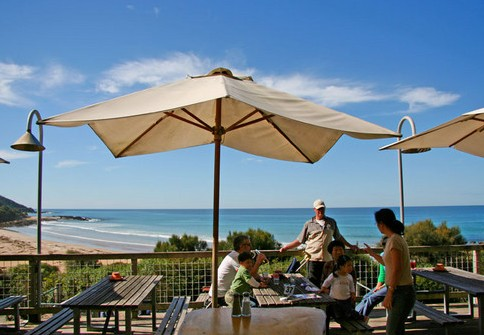 Wye Beach Hotel - QLD Tourism