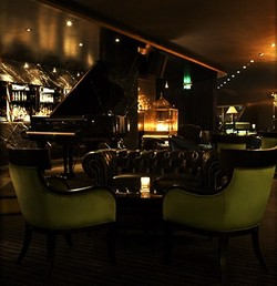 Trademark Hotel Lounge Bar and Piano Room - QLD Tourism
