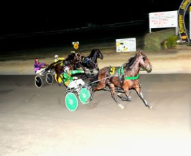 Bathurst Harness Racing Club - QLD Tourism